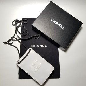 CHANEL Crossbody Leather Bag/Phoneholder